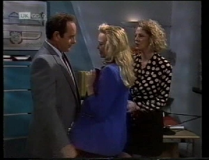 Philip Martin, Annalise Hartman, Fiona Hartman in Neighbours Episode 1852