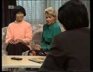 Jenny Lim, Helen Daniels, Raymond Lim in Neighbours Episode 1942