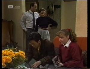 Philip Martin, Julie Martin, Jonathon Lim, Debbie Martin in Neighbours Episode 1942