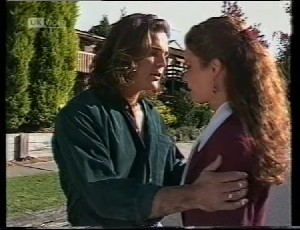 Wayne Duncan, Gaby Willis in Neighbours Episode 1942
