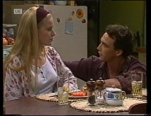 Phoebe Bright, Stephen Gottlieb in Neighbours Episode 1942