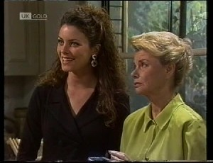 Gaby Willis, Helen Daniels in Neighbours Episode 1942