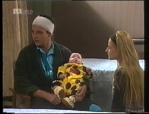 Stephen Gottlieb, Hope Gottlieb, Phoebe Bright in Neighbours Episode 1961