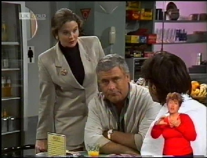 Julie Robinson, Lou Carpenter, Rick Alessi in Neighbours Episode 1972
