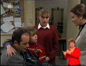 Philip Martin, Hannah Martin, Debbie Martin, Julie Robinson in Neighbours Episode 1972