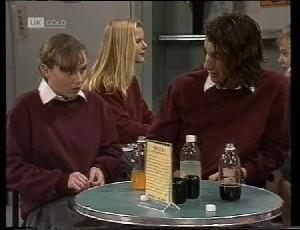Debbie Martin, Darren Stark in Neighbours Episode 1981
