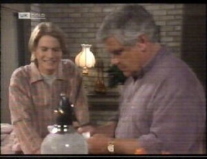 Brett Stark, Lou Carpenter in Neighbours Episode 2070