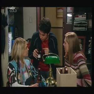 Sky Mangel, Stingray Timmins, Lana Crawford in Neighbours Episode 4598