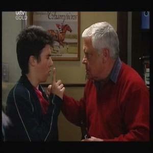 Stingray Timmins, Lou Carpenter in Neighbours Episode 4598