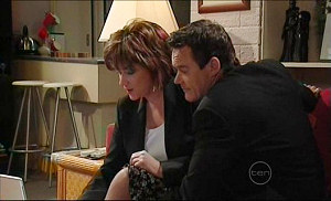 Lyn Scully, Paul Robinson in Neighbours Episode 5032