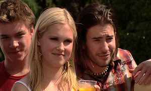 Ringo Brown, Janae Hoyland, Dylan Timmins in Neighbours Episode 5174