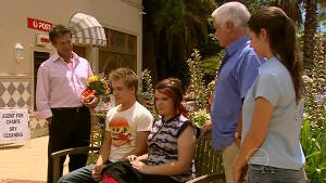 Tom Scully, Ringo Brown, Bree Timmins, Lou Carpenter, Louise Carpenter (Lolly) in Neighbours Episode 5213