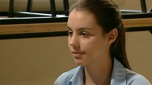 Louise Carpenter (Lolly) in Neighbours Episode 5214
