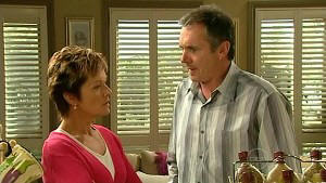 Susan Kennedy, Karl Kennedy in Neighbours Episode 5214