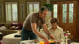 Karl Kennedy, Susan Kennedy in Neighbours Episode 5215