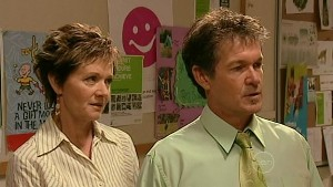 Susan Kennedy, Tom Scully in Neighbours Episode 5215