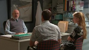 Dr Jeremy Levi, Paul Robinson, Elle Robinson in Neighbours Episode 5292