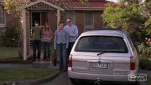 Zeke Kinski, Rachel Kinski, Susan Kennedy, Karl Kennedy in Neighbours Episode 5315