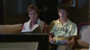 Susan Kennedy, Zeke Kinski in Neighbours Episode 5325