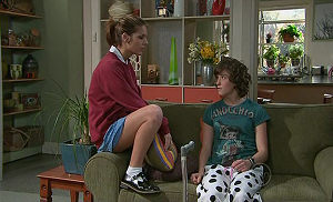 Bridget Parker, Rachel Kinski in Neighbours Episode 5326