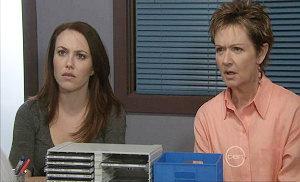 Libby Kennedy, Susan Kennedy in Neighbours Episode 5379