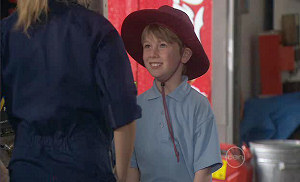 Janae Timmins, Mickey Gannon in Neighbours Episode 5380