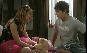 Rachel Kinski, Zeke Kinski in Neighbours Episode 5381