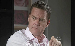 Paul Robinson in Neighbours Episode 5390