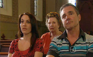Libby Kennedy, Valda Sheergold, Karl Kennedy in Neighbours Episode 5399