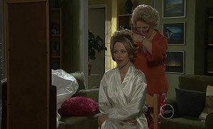 Steph Scully, Valda Sheergold in Neighbours Episode 5400