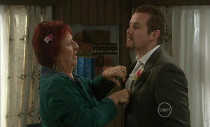 Angie Rebecchi, Toadie Rebecchi in Neighbours Episode 5400