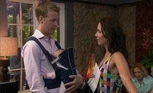 Oliver Barnes, Chloe Cammeniti, Mia Silvani in Neighbours Episode 5401