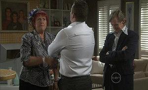 Angie Rebecchi, Toadie Rebecchi, Kevin Rebecchi in Neighbours Episode 5401