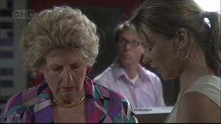 Valda Sheergold, Steph Scully in Neighbours Episode 5404