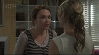 Libby Kennedy, Steph Scully in Neighbours Episode 5404
