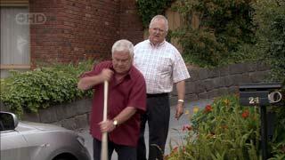 Lou Carpenter, Harold Bishop in Neighbours Episode 5406