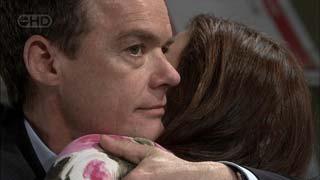 Paul Robinson, Rebecca Napier in Neighbours Episode 5406