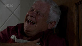 Lou Carpenter in Neighbours Episode 5408