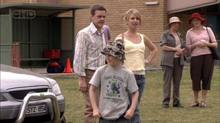 Paul Robinson, Kirsten Gannon, Mickey Gannon in Neighbours Episode 5408