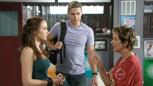 Libby Kennedy, Susan Kennedy, Dan Fitzgerald in Neighbours Episode 5413