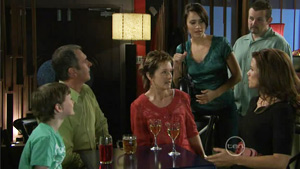 Ben Kirk, Karl Kennedy, Susan Kennedy, Carmella Cammeniti, Toadie Rebecchi, Rebecca Napier in Neighbours Episode 5413
