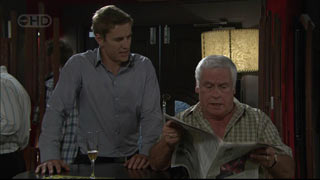 Lou Carpenter, Dan Fitzgerald in Neighbours Episode 5419