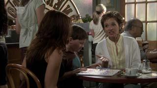 Libby Kennedy, Ben Kirk, Susan Kennedy in Neighbours Episode 5422