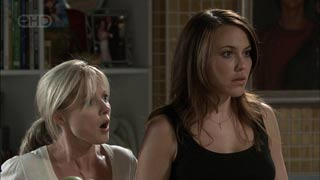 Samantha Fitzgerald, Libby Kennedy in Neighbours Episode 5422