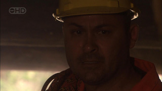 Steve Parker in Neighbours Episode 5422