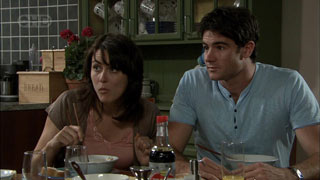 Rosie Cammeniti, Frazer Yeats in Neighbours Episode 5423