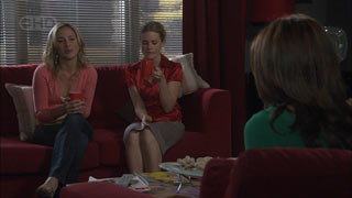 Kirsten Gannon, Elle Robinson, Rebecca Napier in Neighbours Episode 5442