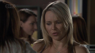 Steph Scully in Neighbours Episode 5443
