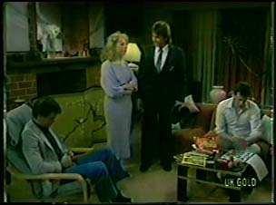 Paul Robinson, Terry Inglis, Shane Ramsay, Des Clarke in Neighbours Episode 0081