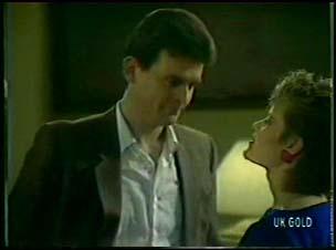 Des Clarke, Daphne Clarke in Neighbours Episode 0081